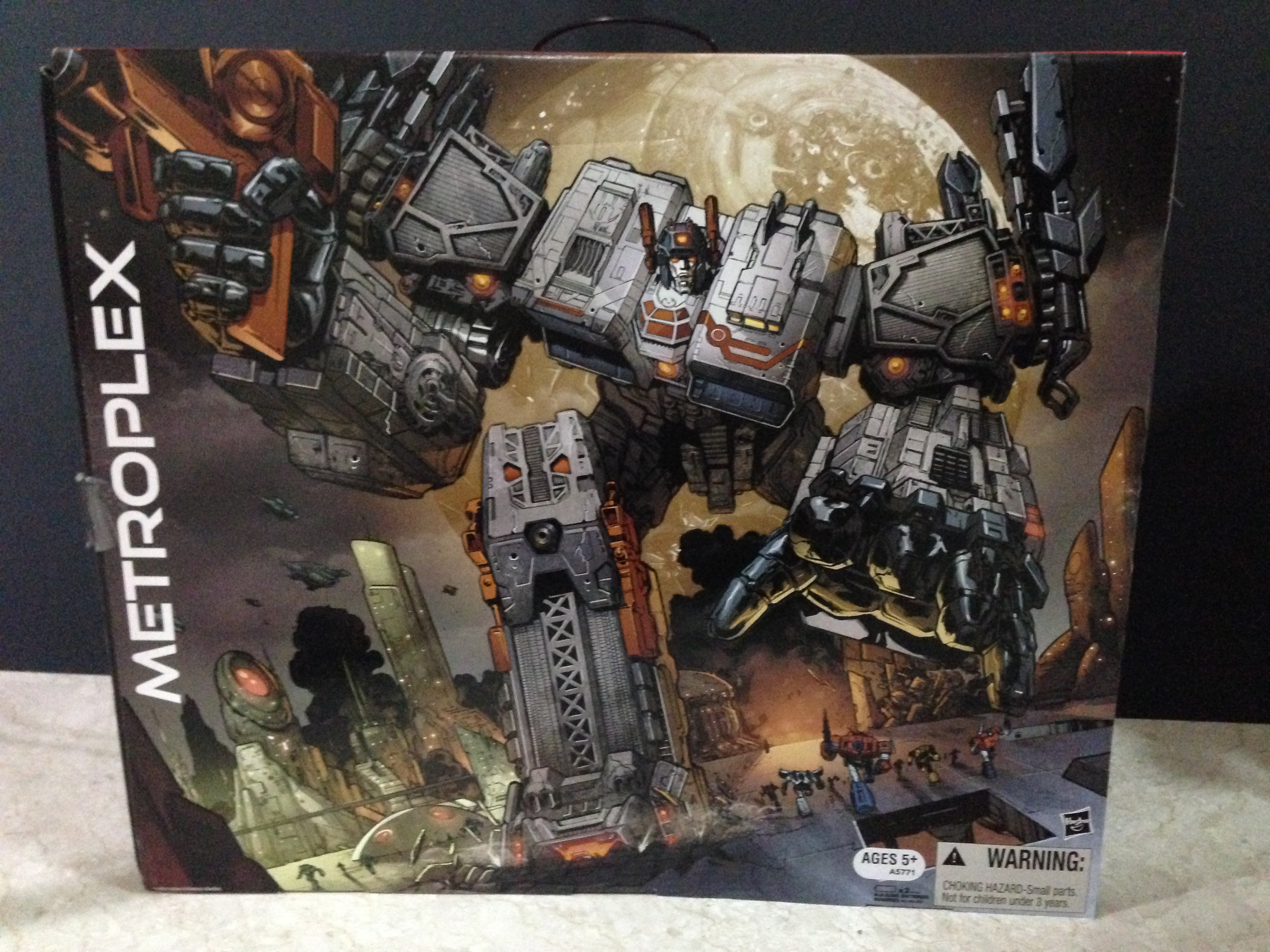 metroplex the biggest transformer ever as of 2013