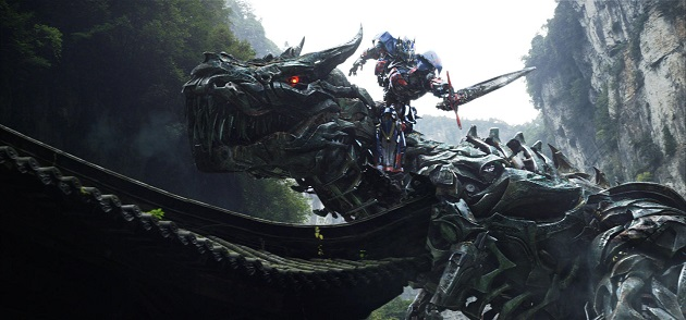 Optimus Prime rides Grimlock into battle. (Yahoo Movies Singapore)