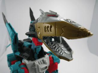 Robot mode. (Dezarus from the Liokaiser giftset)