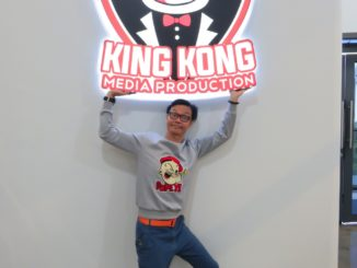 Mark Lee and King Kong.