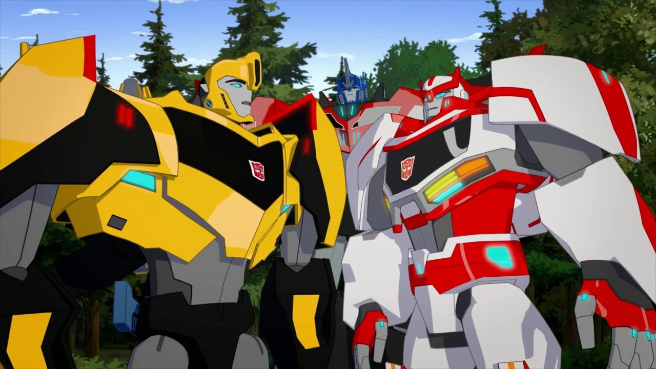 Bumblebee and Ratchet in Transformers: Robots in Disguise Season 2. (Dailymotion)