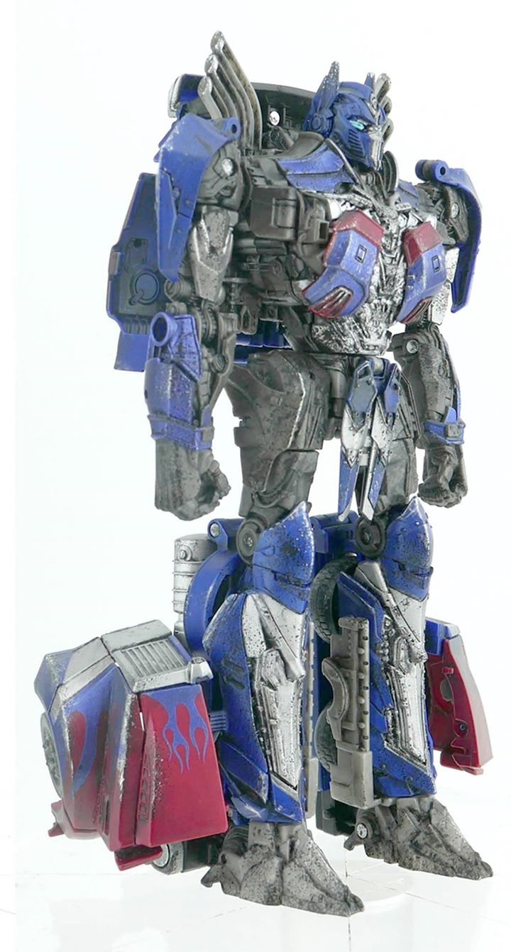 Battle Damaged Optimus Prime (Voyager) (Hasbro Singapore)