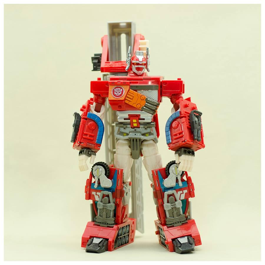 Optimus Prime/Fire Convoy. (Bakemono Sugoi store Facebook Page)
