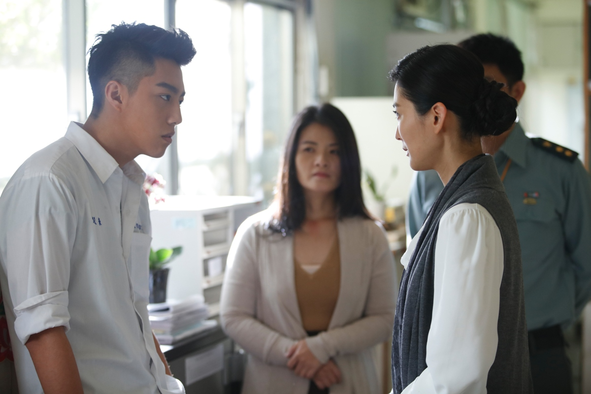 "Ren-hao (Kent Tsai) is confronted by Ms Li (Carolyn Chen) in ""Mon Mon Mon Monsters (報告老師!怪怪怪怪物!)"". (Golden Village Pictures)"