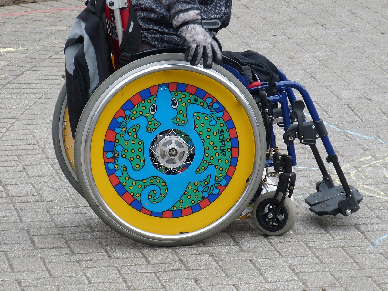 Understand those with disabilities. (Pixabay)